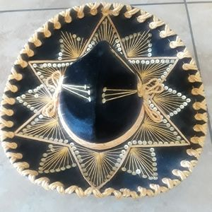 ::BEAUTIFUL HAND MADE G0LD AND BLACK SOMBRERO-HAT